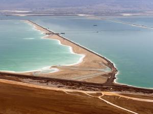 dead-sea-evaporation-pond-foeme